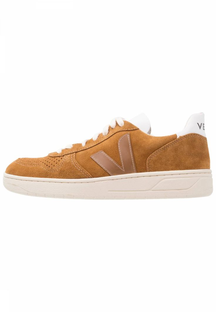 Veja. V-10 - Trainers - camel/pierre. Care instructions:treat with a suitable protector before wear. Sole:synthetics. Padding type:Cold padding. Shoe tip:round. Heel type:flat. Lining:combination of leather and textile lining. shoe fas...
