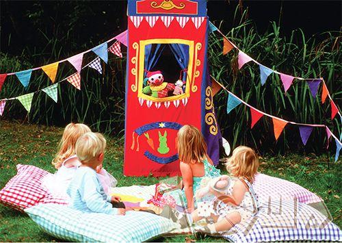 Домашний кукольный театр. Наверное, не существует на земле ребенка, который не был бы увлечен волшебным и загадочным миром игрушек. Детям свойственно воодушевлять игрушечных персонажей, наделяя их различными характеристиками. Такое занятие приносит малышам необыкновенное удовольствие.
