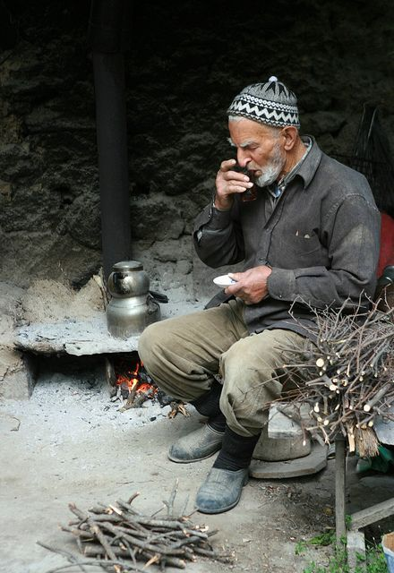 Değirmenci - Tea outside in Turkey