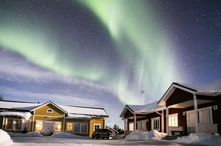 In samenwerking met een reisbureau organiseer ik fotografie reizen naar Lapland. Niet alleen onderneem je toffe activiteiten zoals het sleeën met husky's, maar help ik jou met het fotograferen va het Noorderlicht. Lees mijn blog voor de details van deze reis. De eerste tour vindt plaats op 25 januari 2018