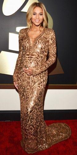 Η εγκυμονούσα #Ciara επέλεξε μία χρυσή τουαλέτα με την υπογραφή του οίκου #Emilio #Pucci. #Grammys2014 #Grammys