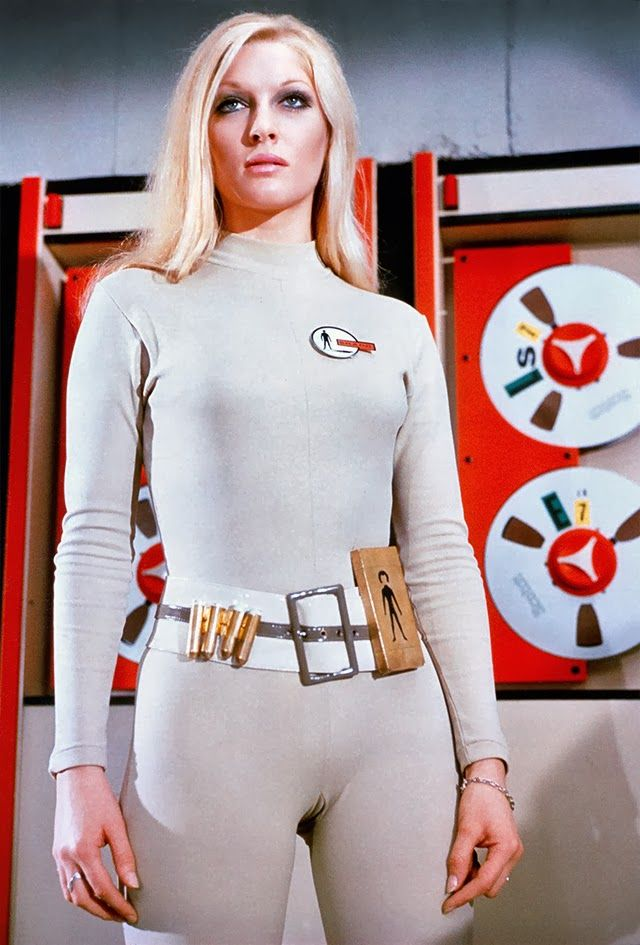 UFO (British sci-fi series, 1970) Loved this series from Gerry Anderson! The picture ain't Bad Either..
