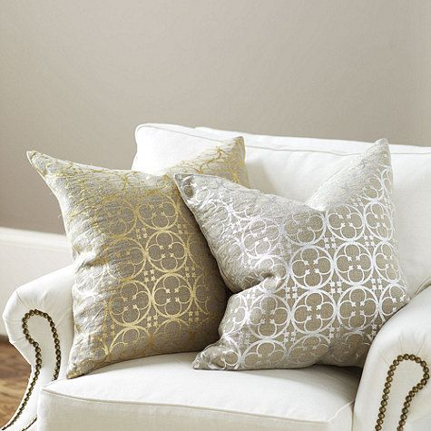 Metallics are bringing the shimmer back to the holidays. This glamorous Linen Pillow is screen printed in a metallic quatrefoil design over natural linen for a striking blend of formal design and casual texture.Pillows Covers, Living Rooms, Casual Texture, Linens Pillows, Pillow Covers, Quatrefoil Linens, Quaterfoil Linens, Ballard Design, Quatrefoil Design