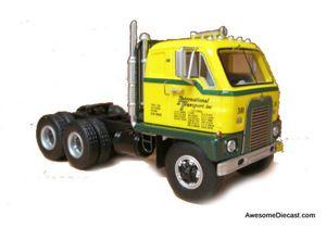 Neo 1:64 1961 International DCOF-405 Tractor, International Transport, yellow/green (PRE-ORDER ETA September)