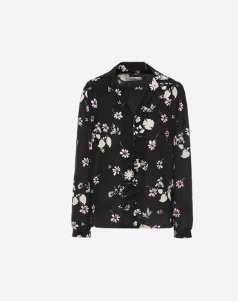 Are you looking for Valentino Printed Crepe De Chine Pajama Shirt? Find out all the details at Valentino Online Boutique and shop designer icons to wear.