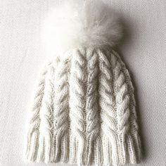 Ravelry: Hjerteflettelue pattern by Karoline Birkenfeldt - free knitting pattern