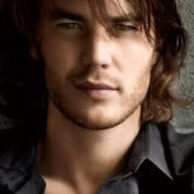 Taylor Kitsch as Gideon Cross? #crossfire