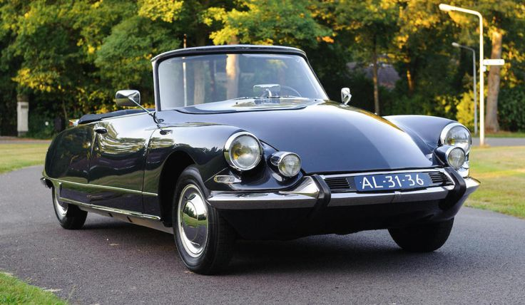 This 1964 Citroën DS 19 Décapotable Is Dripping In Classic Cool. Lay your eyes on this beauty.