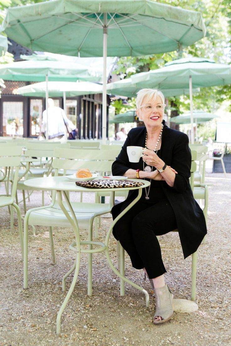 Une femme d 39 un certain ge breakfast in jardin du for Cafe jardin du luxembourg