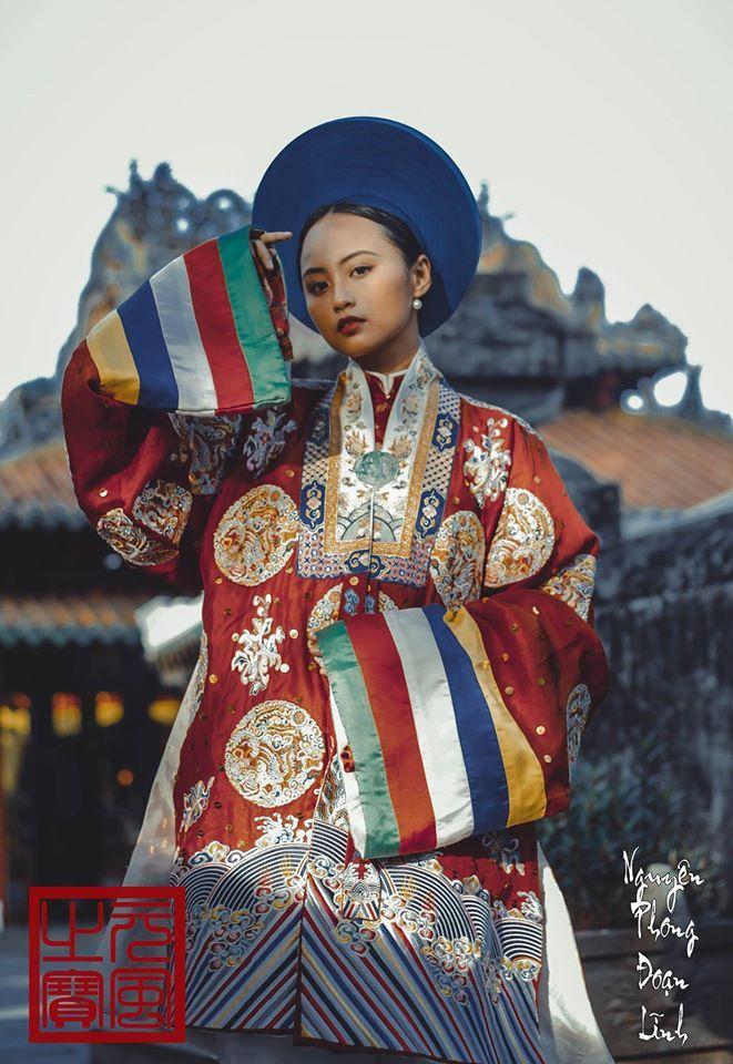 "Vietnamese traditional royal clothes (Nguyen Dynasty, 1802 - 1945 AD) is named ""Nhật Bình"" (Nhat Binh)."