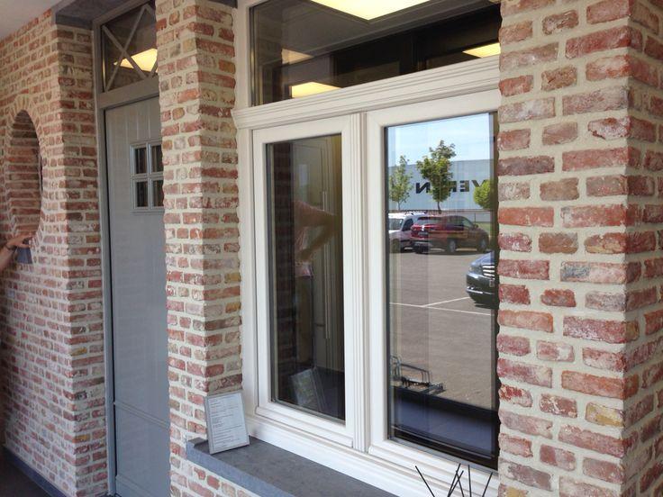 1000 images about exterior house op pinterest ramen grijs en zoeken - Taupe kleurdeur ...