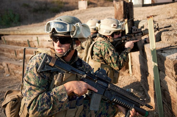 "Вороги справа, зліва, позаду і спереду нас. Морпіхи, тепер-то їм від нас вже точно не втекти! Полковник КМП США Льюіс ""Честі"" Пуллер.   Враги справа, слева, позади и спереди нас. Морпехи, теперь-то они от нас уж точно не улизнут! Полковник КМП США Льюис ""Чести"" Пуллер.  #military #militarylife #militarystyle #camouflage #camouflaged #tactical #militarygear #outdoorgear #alwaysbeready #travelsmart #masteryourmission #armor #security #protection #p1gtac #511tatical #lowaboots #essglasses"