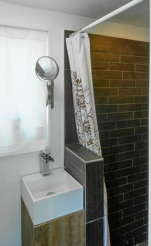 MiniMotives Tiny House Washroom. I LOVE the sink!