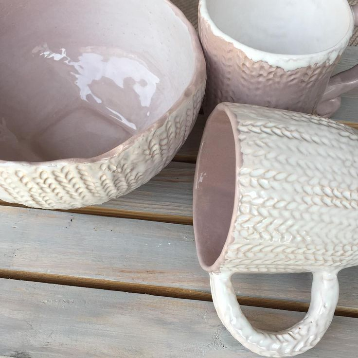 So cute and girlish knit pattern on ceramics #ceramics ☕️