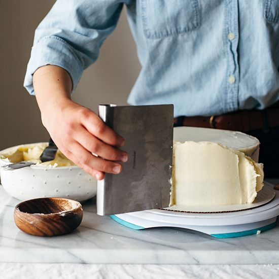 Best Cake Decorating Gadgets : 25+ best ideas about Cake decorating tools on Pinterest ...