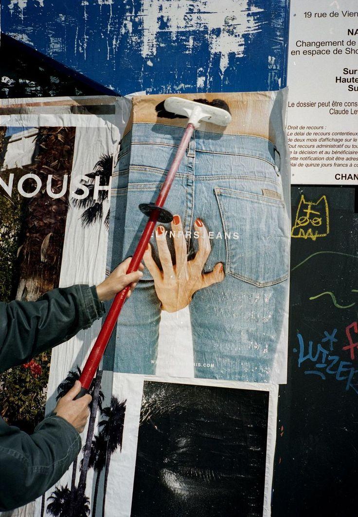A Paris, le 7 avril. Une campagne d'affichage sauvage, également synonyme de plus de souplesse et plus de réactivité, peut être mise sur pied en une semaine.
