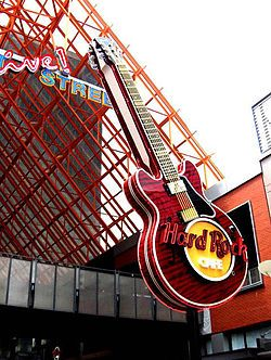 Fourth Street Live, marked by a giant guitar, in the part of Fourth St. between Liberty Street and Mohammad Ali Blvd., is the ideal destination for a night on the town for visitors and Louisville residents as well.