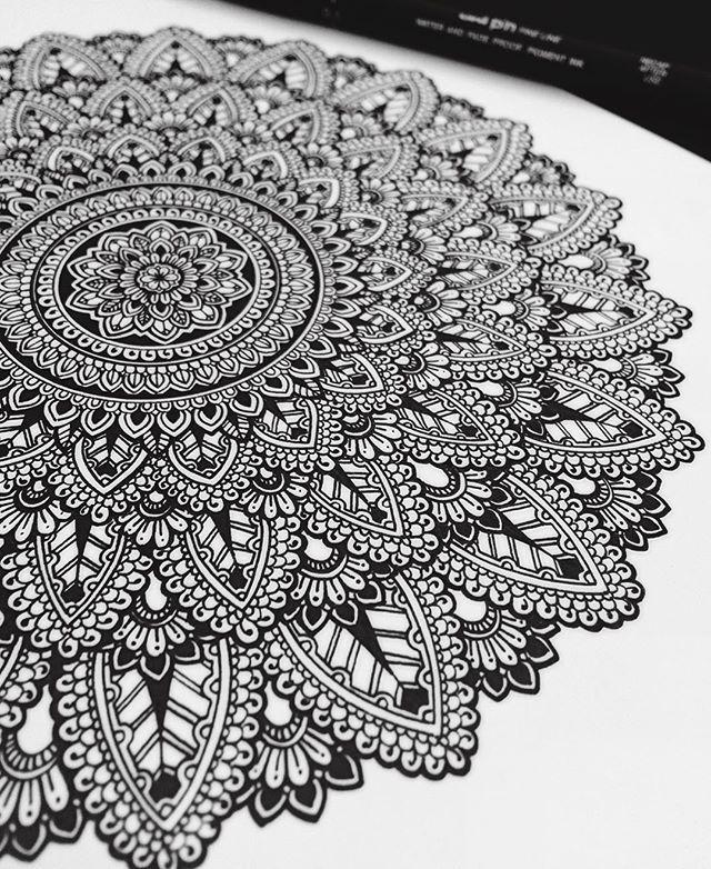 1000 ideas about mandala doodle on pinterest mandela. Black Bedroom Furniture Sets. Home Design Ideas