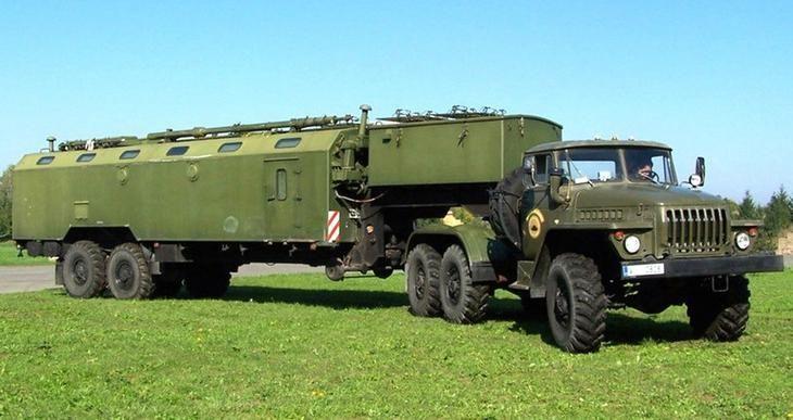 Пункт служебной радиосвязи «Орех» в кузове К-862 на полуприцепе Урал-862