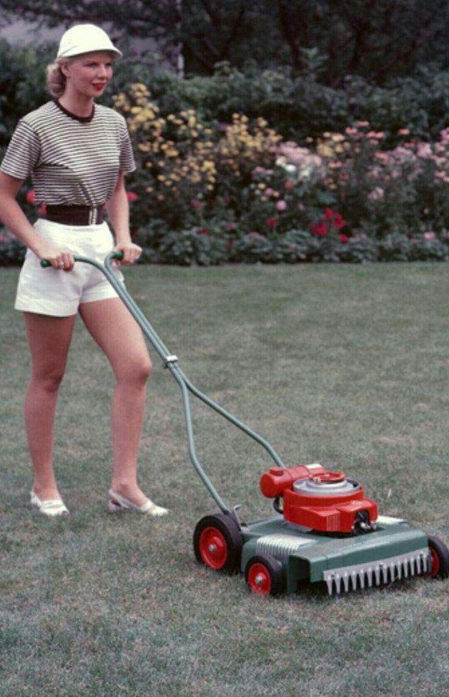 Vintage rpm lawn boy 3000