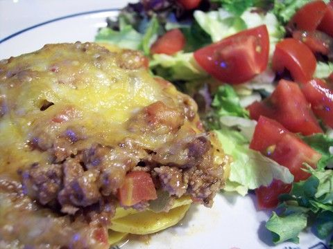 Low-Carb Ground Beef and Yellow Squash Casserole Recipe - Made this for a quick dinner. We layered the squash, meat and cheese like you would for lasagna.