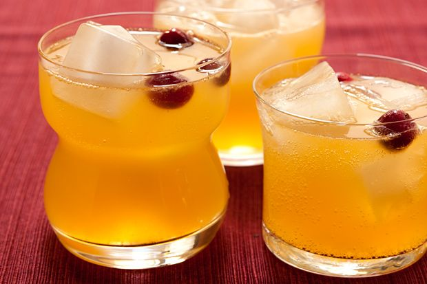 Autumn Chiller - A nonalcoholic drink for fall with orange juice, ginger beer, and sparkling apple cider.