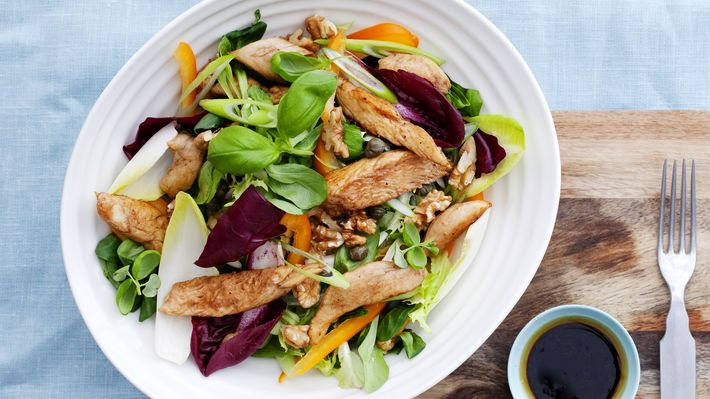 MatPrat - Kyllingsalat med kapers og valnøtter