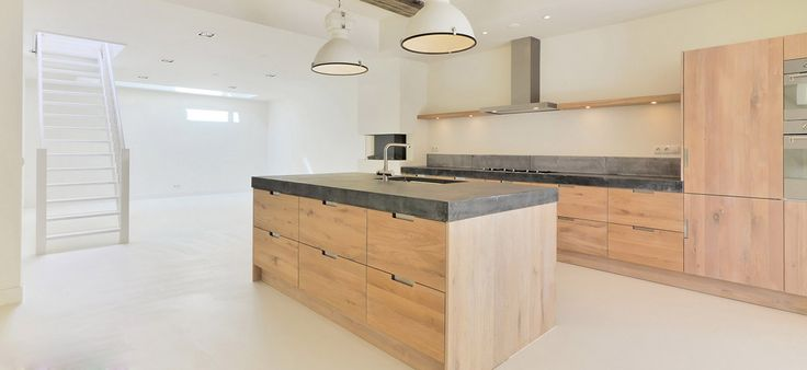 Real wood kitchen doors oak doors ikea kitchen hack for Are ikea kitchen cabinets made of solid wood