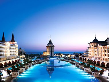 World 39 s most outrageous luxury hotels and resorts for Designer hotels turkei