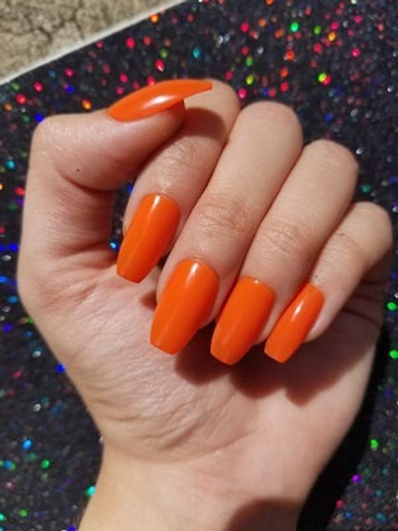 Orange Nails Set Of 20 Coffin Nails Press On Nails Etsy Orange Nails Glue On Nails Fake Nails