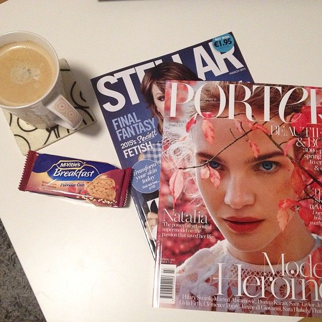 Starting this Sunday with some Magazines bought in Dublin and London on the Couch. What are your plans for today? ☕️
