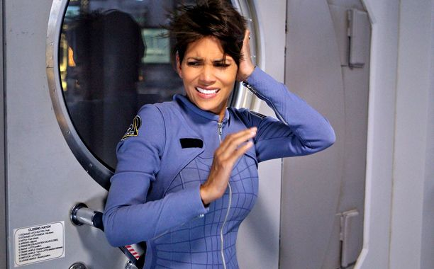 'Extant': Halle Berry doesn't know what she did last summer (in space)       http://insidetv.ew.com/2014/07/09/extant-halle-berry-react/