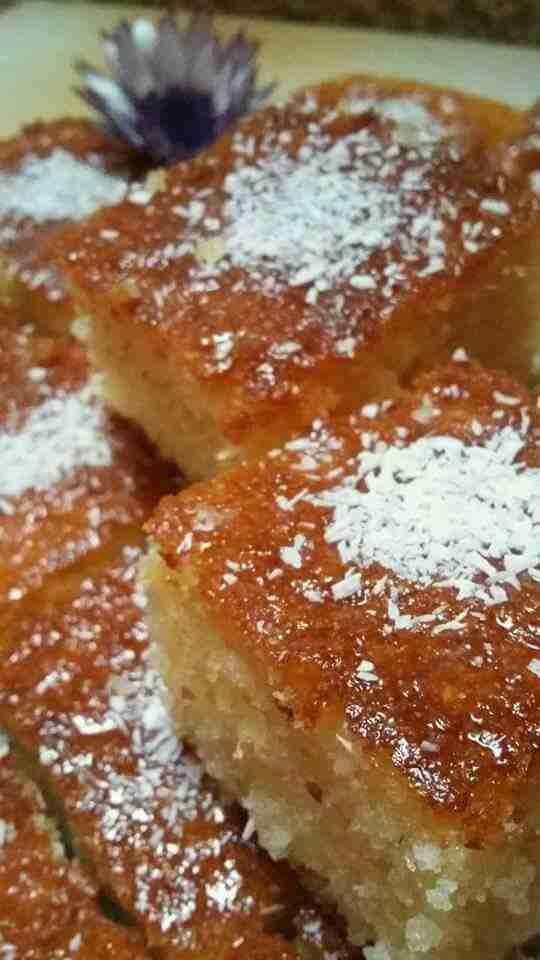 بسبوسة جوز الهند الملكية ملكة الحلويات الشرقية زاكي Dessert Recipes Arabic Food Desert Recipes