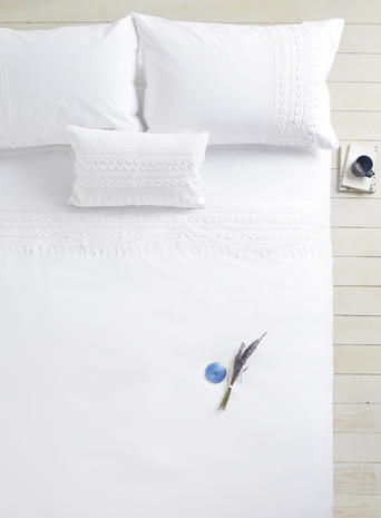 Holly Willoughby Lily Bedding