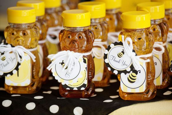 Beautiful Bumble Bee Birthday Party :: Sweet Customers | The TomKat Studio