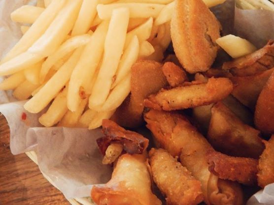 For Lunch today, may we suggest our delicious Wippertal Basket! Imagine tantalizing Potato Cheese bites, Vegetable Spring Rolls, Steak Rissoles, Beef Samosas and of course our mouthwatering Chips! Oh and Ladies, we'll understand if you share!