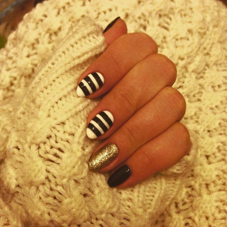 Black-white-gold and strips #nails #art
