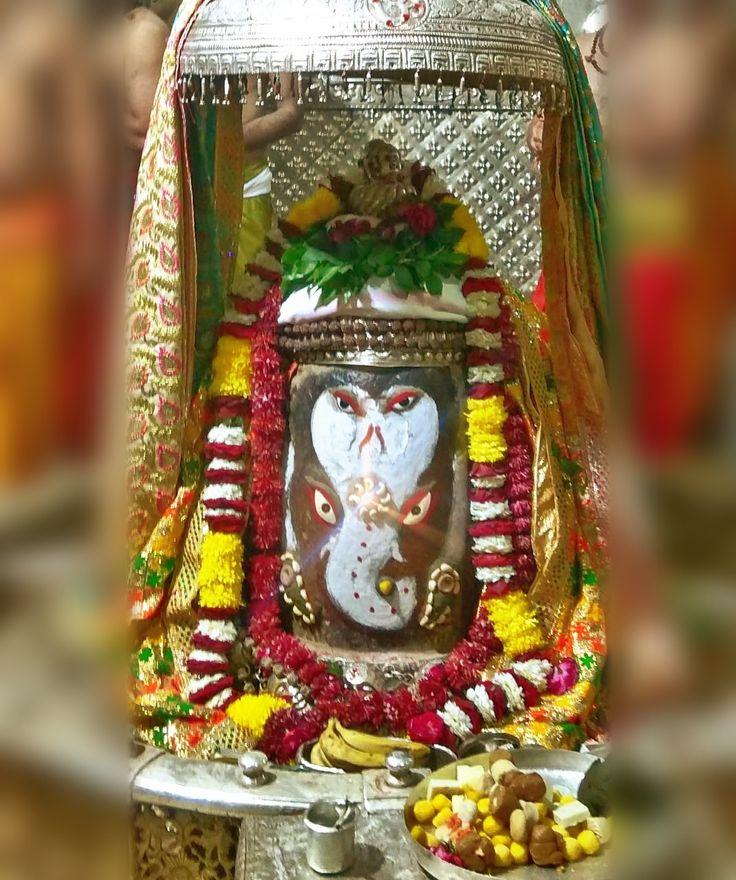 Dec. 27 - #Bhasma #Aarti pic of Shree #Mahakal #Ujjain  #god #shiv #shiva #shivay #bholenath #mahadev #mahakaleshwar #jyotirling #jaibholenath #jaimahakal #om #omnamahshivay #harharmahadev #ॐ #महाकाल #भस्म #आरती #शिव #महाकालेश्वर #उज्जैन #mptourism #madhyapradesh #tourism #travel #incredibleIndia