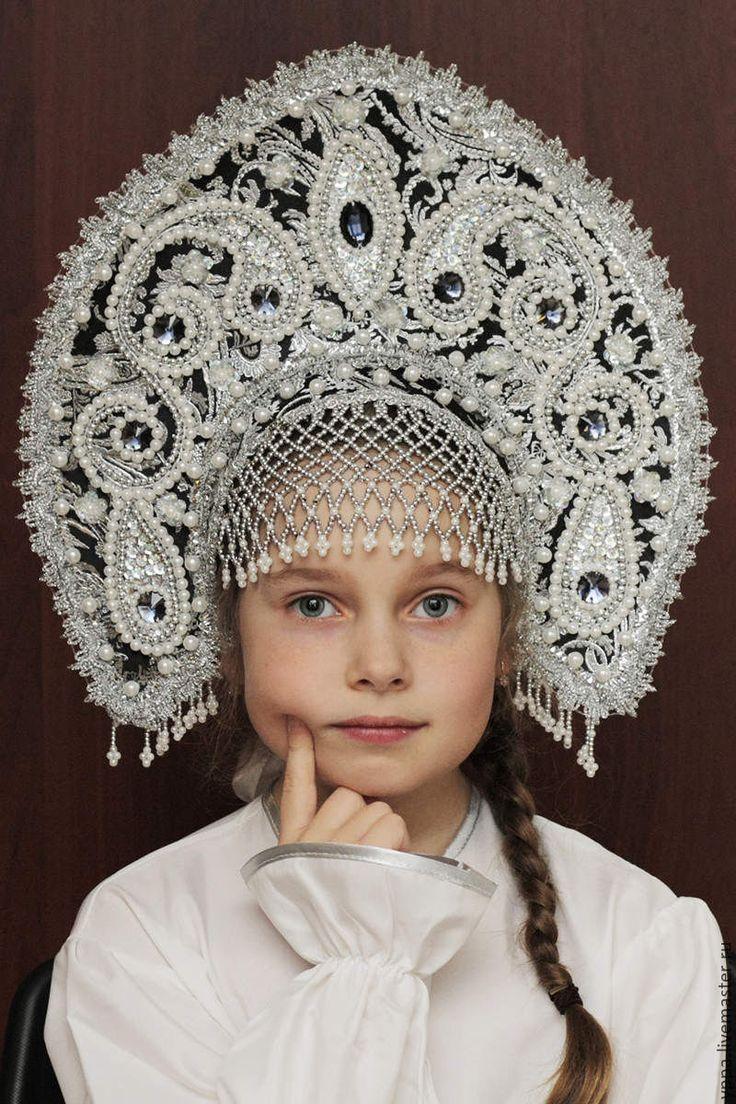красивых видов, русский кокошник фото самых крупных художественных