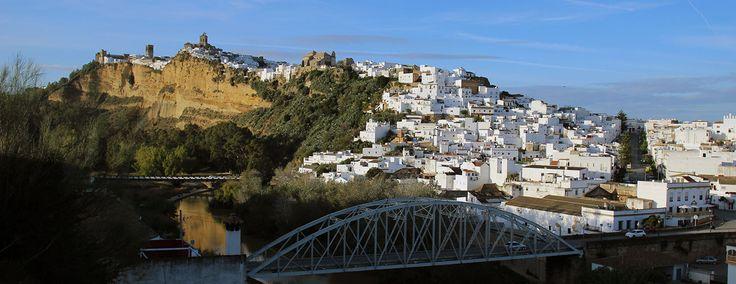 http://www.cadiz-turismo.com/arcosdelafrontera