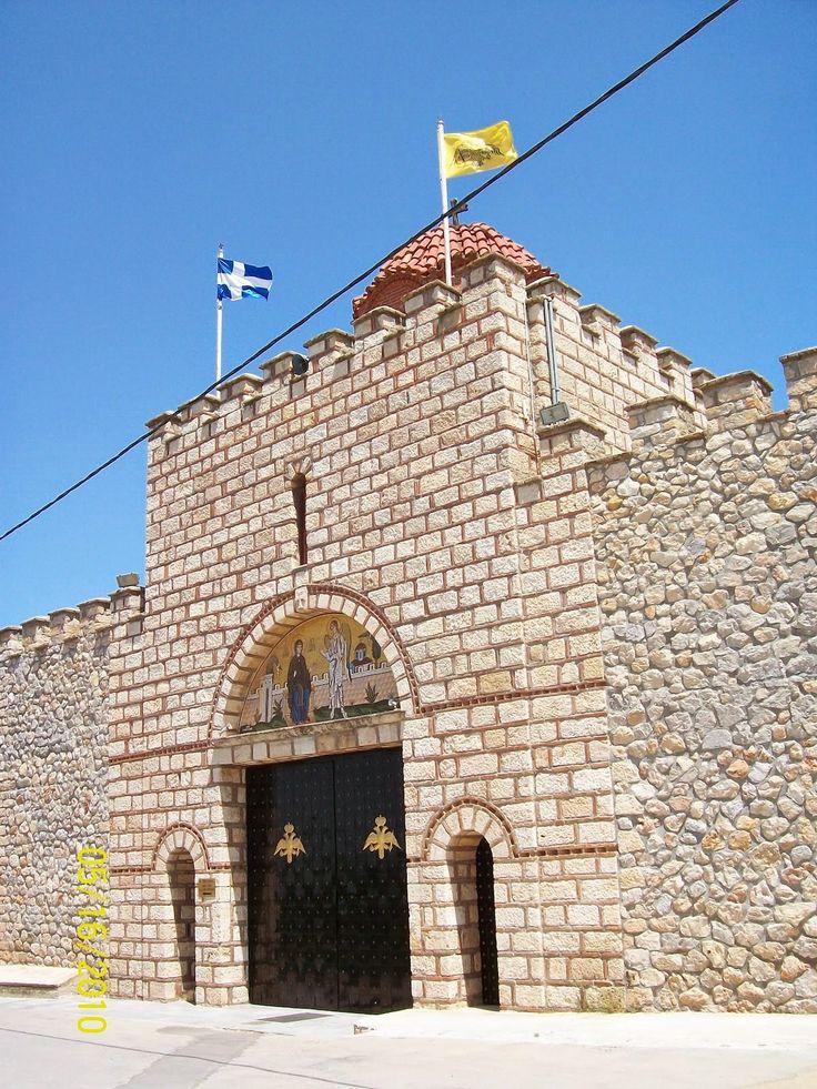 Συγχώρησις...: Ιερά Μονή Οσίας Ειρήνης Χρυσοβαλάντου, Λυκόβρυση: ένα μεγάλο προσκύνημα με το παλαιό εορτολόγιο...