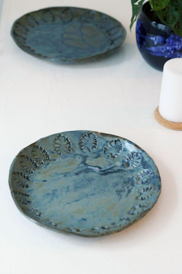 Monstera plates by Mikaela Puranen