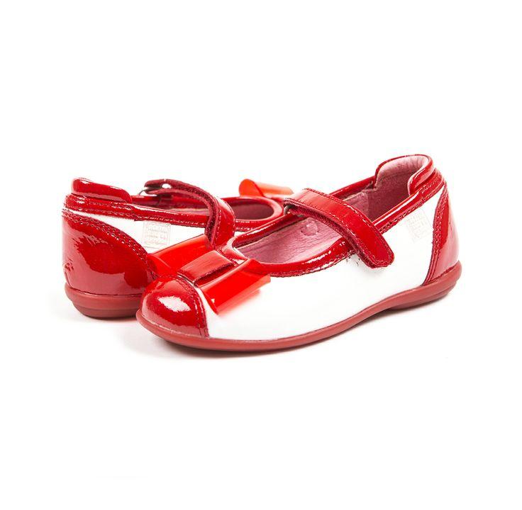 Pěkné dívčí červené lakované boty od Agatha Ruiz de la Prada v obchodech Magic Child