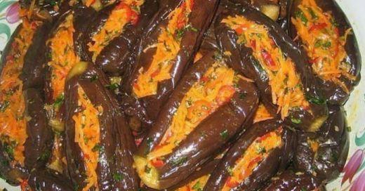 Ингредиенты: Баклажаны — 15 кг., Морковь — 5 кг., перец болгарский — 2 кг., петрушка — 500 гр., чеснок — 500 гр. ( чеснок можно и 1 кг., по вашему вкусу) соль четыре горсточки. Приготовление: Баклажаны помыть, аккуратно отрезать плодоножку, с одной стороны, в середине сделать надрез 5 см., отварить до готовности, отдельно маленькие, а […]