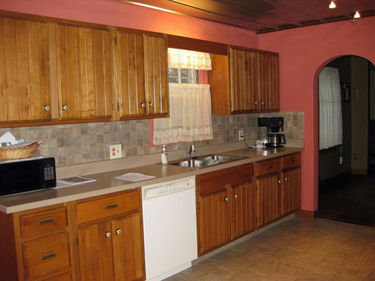 Popular Kitchen Colors with Oak Cabinets - Kitchen Trash Can Ideas Check more at http://www.entropiads.com/popular-kitchen-colors-with-oak-cabinets/