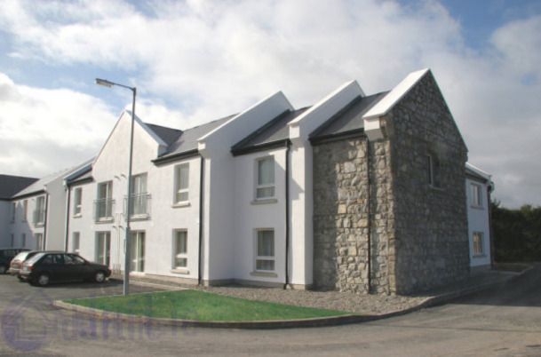 Cratloe Suites, Two Mile Inn Hotel, Ennis Road, Co. Limerick