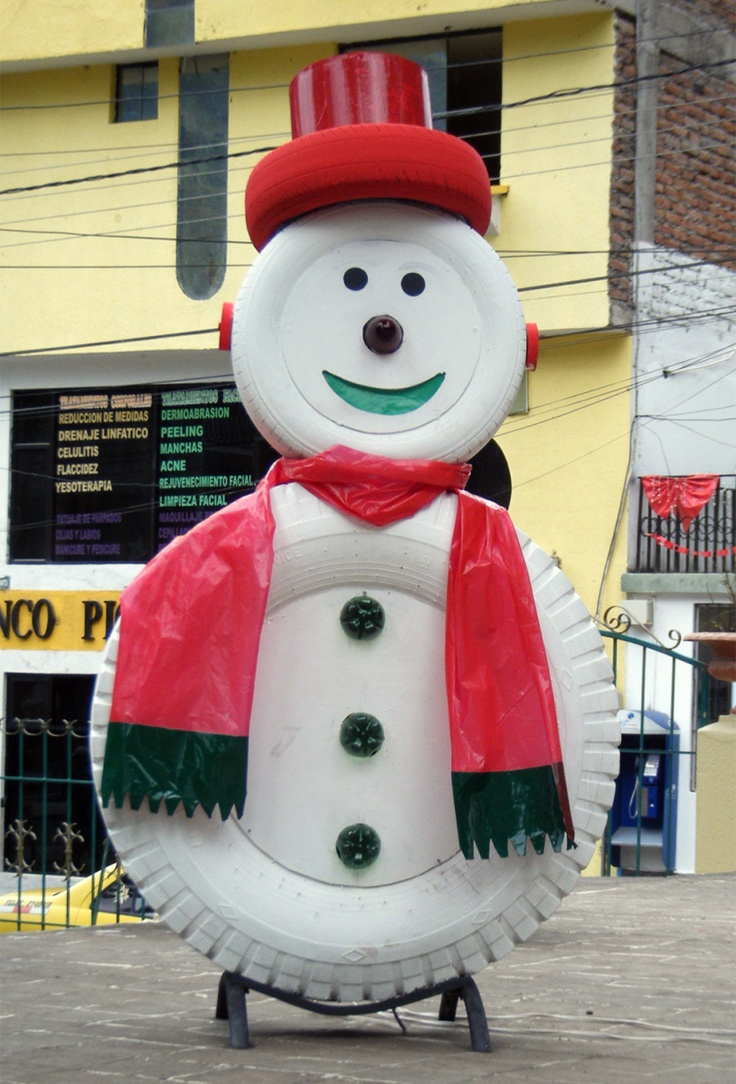 I love this snowman made out of recycled tires. We came across it during our trip to Ecuador last week.   megandryan.wordpress.com
