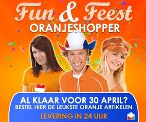 Koninginnedag pakket in de aanbieding   Op 30 april kijkt bijna heel Nederland de troonswisseling. Bij deze feestelijke gelegenheid hoort natuurlijk een oranje gebakje en een lekker drankje. Daarom heeft Oranjeshopper.nl een speciaal oranje gebak/ tafel pakket pakket, nu voor slecht 9,99 euro.  Dit oranje pakket bestaat uit:  • 20 oranje servetten • 16 oranje bordjes • 24-delig plastic oranje bestek • 10 plastic oranje bekers