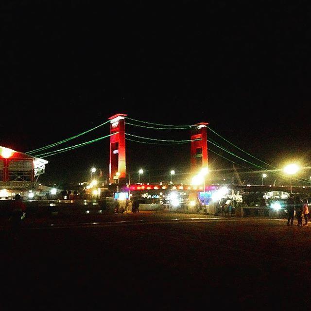 the ampera bridge  #ampera #bridge #red #green #lamp #city #icon #landscape #citylights #palembang #night #nightout #datenight #travel #traveling #photo #photography #instapic #instadaily #instatravel #wanderlust #photooftheday by (nadya_alvaraby). city #instapic #photo #instadaily #traveling #landscape #night #red #bridge #nightout #ampera #travel #icon #green #datenight #palembang #photography #instatravel #photooftheday #wanderlust #lamp #citylights #eventprofs #eventplanning…
