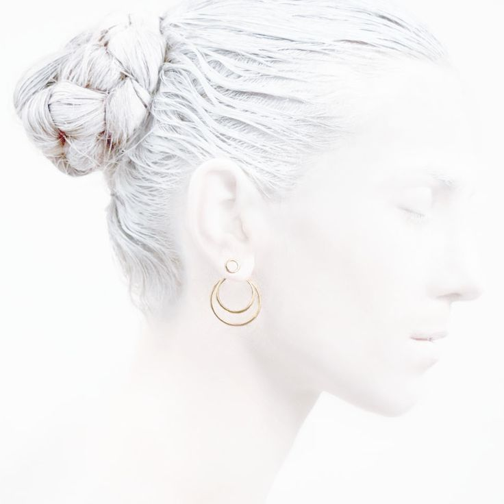 'Elegancy in White' O Collection #leifoojewelry #jewelry #artistic #Geisha #earstud #design #combinations